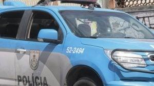 Policiais do 41º BPM foram presos em flagrante Foto: Roberto Moreyra / Extra