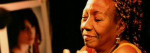 Escritora negra da Maré ganha prêmio e publica seu trabalho em coletânea