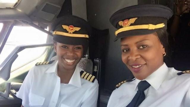 Chipo Matimba e Elizabeth Petros fizeram história na última sexta-feira, no Zimbábue Foto: Reprodução / Facebook