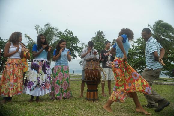 Quilombolas da Marambaia celebram posse de terra no Dia da Consciência Negra