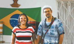 Casal de babalorixá e evangélica dá lição de tolerância religiosa