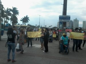 Ato contra o racismo, o genocídio e a violência policial acontece no centro de Florianópolis