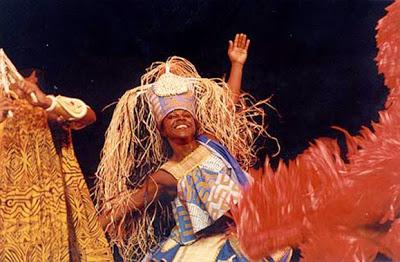 A companhia representa de maneira única os elementos que contribuem para formação da identidade cultural brasileira. (Foto – Marisa / site institucional Balé Folclórico da Bahia)