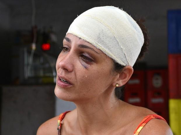 Mulher é agredida com remo pelo marido: 'quem bate não tem amor'