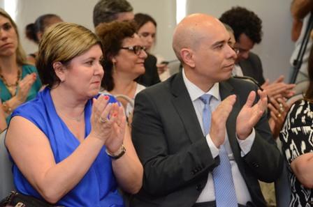 Juíza do Juizado da Violência Doméstica da Capital e Juiz-Corregedor responsável pela Coordenadoria Estadual na área presentes no evento