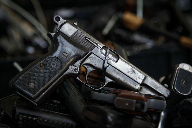 Em outubro de 2015 uma comissão especial da Câmara dos Deputados aprovou um relatório que na prática acaba com o Estatuto do Desarmamento, que entre outras coisas proibia o porte de armas para pessoas que não agentes da lei.