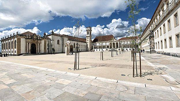 Portugal tem universidades antigas em prédios históricos, como a de Coimbra (Foto: Divulgação)