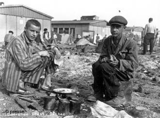 Campo de concentração de Dachau, 1945