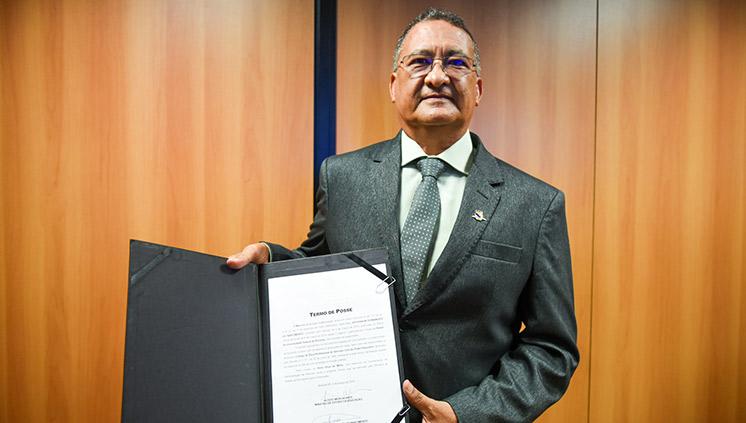 Universidade Federal de Roraima tem primeiro reitor indígena do Brasil