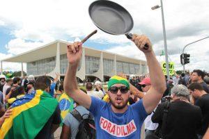 160317204832_brasil_protester_dilma_rousseff_624x415_ap_nocredit