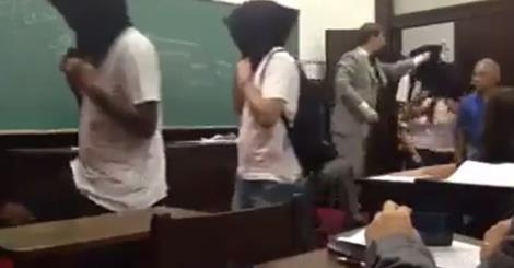 Alunos impedem professor de homenagear golpe militar em sala de aula