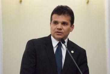 Alagoas: Deputados aprovam lei que proíbe professores de opinar em sala de aula