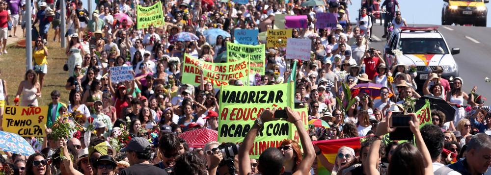 Manifestantes acusam Globo de fomentar