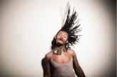 O estilo e a força afro de Liniker