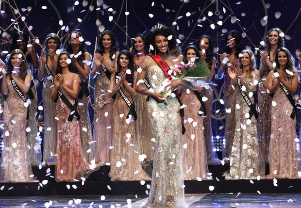 A cultura dos concursos de Miss e os 30 Homens sobre nossos corpos