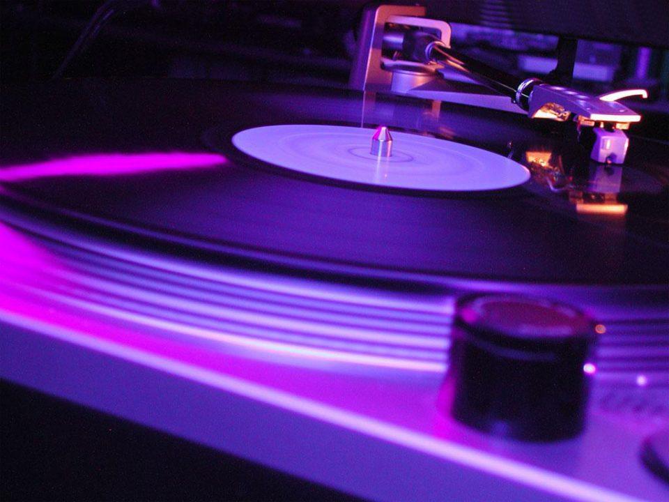 Black hits: 5 décadas em 100 músicas