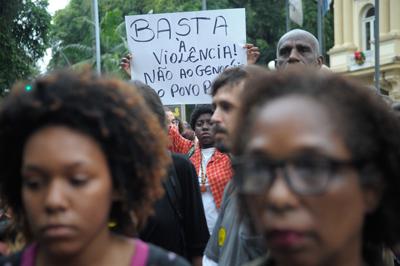 Protesto pela morte dos cinco jovens assassinados por PMs