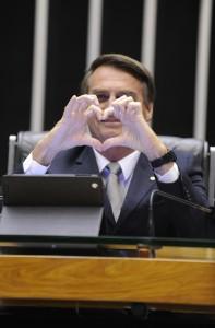 Sessao-extraordinaria-da-Camara-dos-Deputados-para-votar-o-pedido-de-cassacao-do-deputado-Andre-Vargas-foto-Grabriela-Korossy-Camara-dos-Deputados2014121000051-197x300