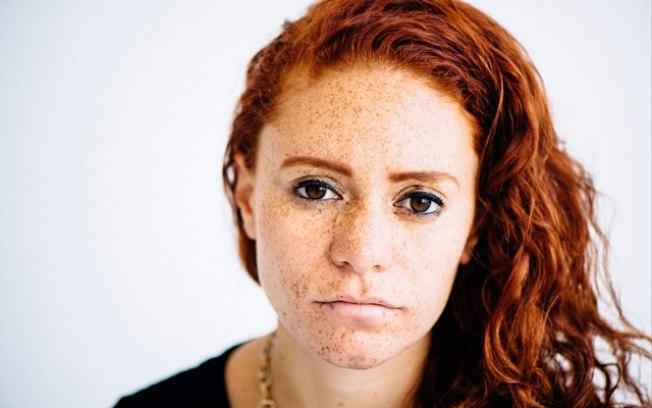 ''Achavam que minha mãe era a babá'', diz ruiva filha de mulher negra