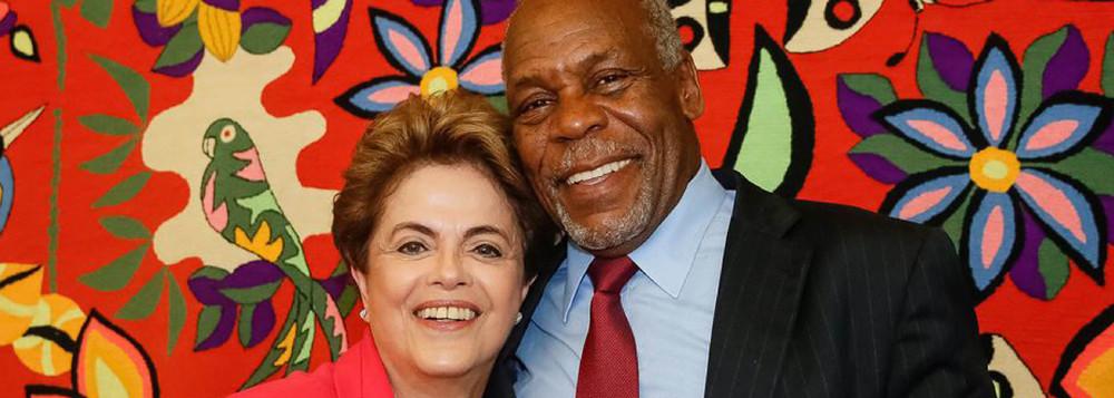 Danny Glover: apoio o direito de Dilma governar