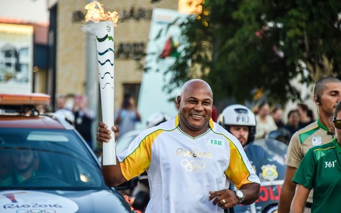 Chester Williams, campeão mundial de rugby na África do Sul esteve em Curitiba para o tour da tocha