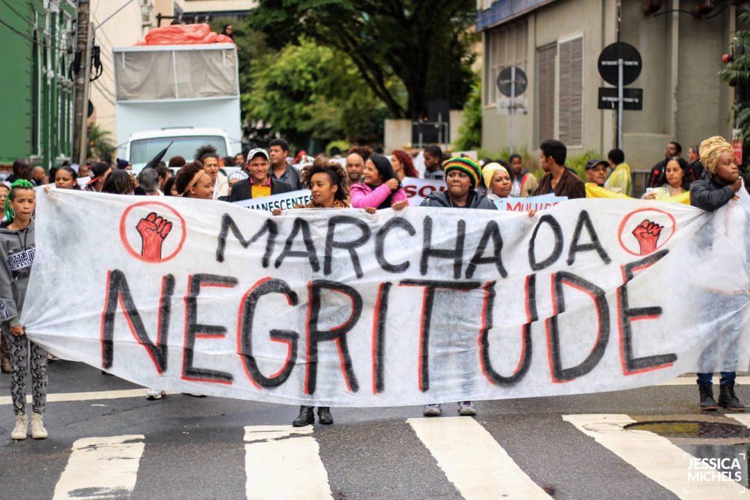 Santa Catarina também é negra! Negros e negras marcharam em Florianópolis