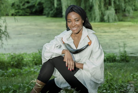 Indira Lourenço, designer angolana, expões coleção artística em Nova Iorque