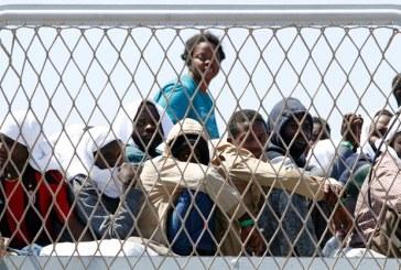 Merkel sugere acordos com norte da África para enviar migrantes