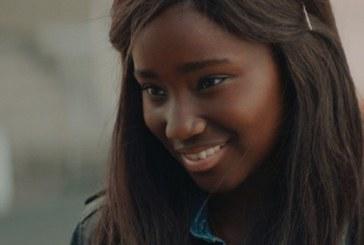 Menina-moça e negra: YouTubers fazem uma bela homenagem às adolescentes