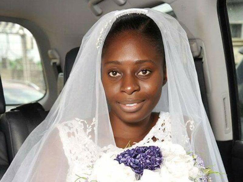 Noiva dispensa maquiagem no dia do seu casamento