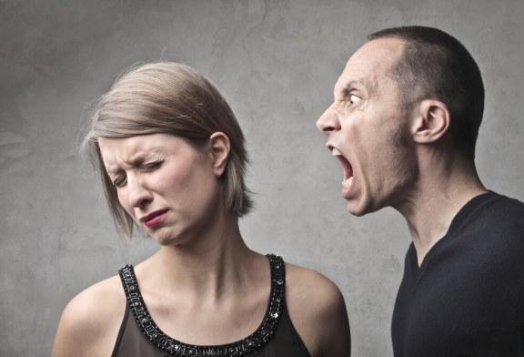 """""""Ele é agressivo verbalmente e não percebe"""""""