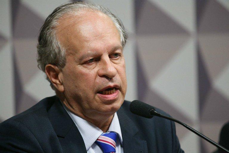"""""""No Brasil, os gastos mais justos são os primeiros a serem cortados"""""""