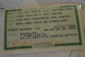 18nov2016-jose-aguinelo-dos-santos-nascido-em-um-quilombo-no-ceara-tem-hoje-a-idade-presumida-de-128-anos-1479492577903_300x200