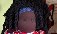 Empresária de SP cria bonecas que fogem do padrão e conquista clientes
