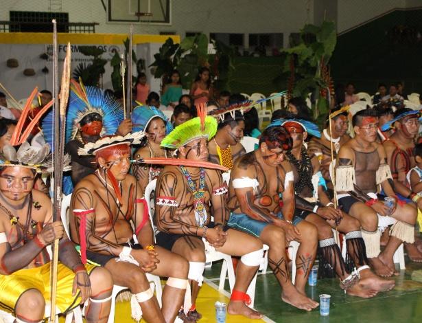 Cerimônia de formatura em MT reúne 43 índios de 32 etnias diferentes