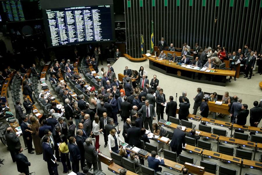 Brasília - Plenário da Câmara dos Deputados durante sessão para votar a Desvinculação das Receitas da União (DRU) até 2023 e reajustes salariais de servidores (Wilson Dias/Agência Brasil)