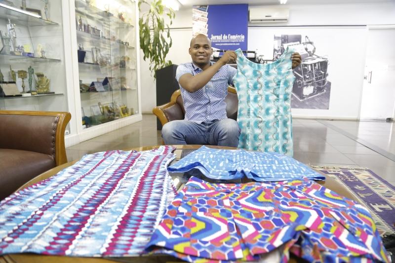 Africano lança marca de roupas com identidade de seu país em Porto Alegre