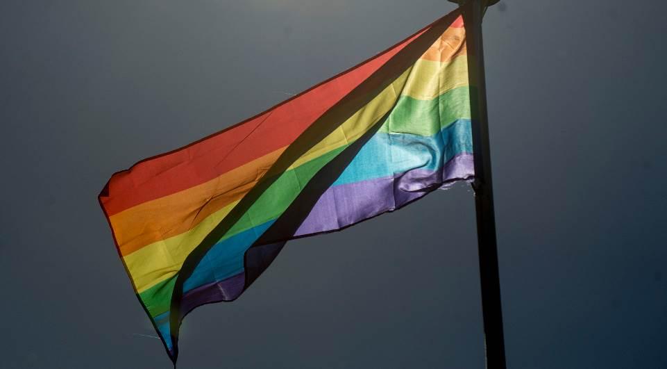 Homem é condenado a 14 anos de prisão por crime de ódio contra homossexual