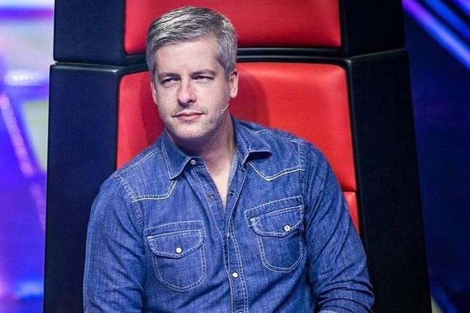 Globo exibe The Voice Kids, mas oculta Victor, acusado de agressão