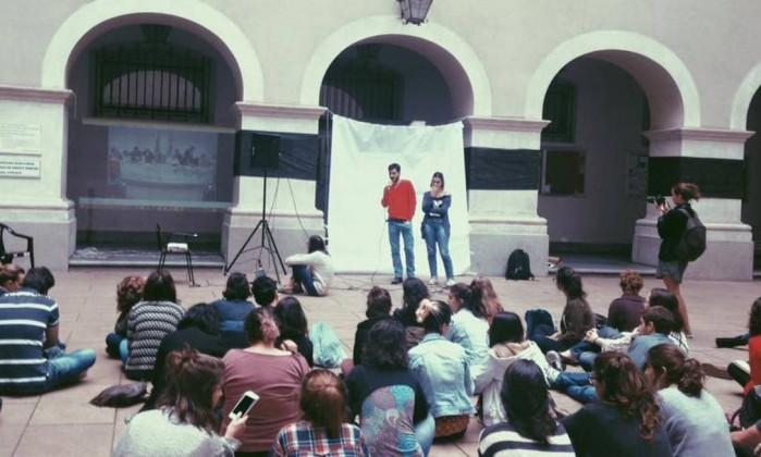 Coletivos feministas denunciam, online, agressões contra a mulher nas universidades