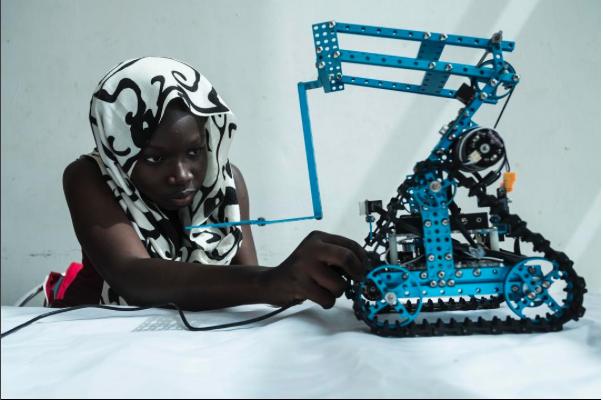 Projeto registra rotina na África para desconstruir a narrativa clássica sobre o continente