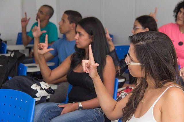 Cerca de 1,9 mil estudantes solicitaram videoprovas no Enem