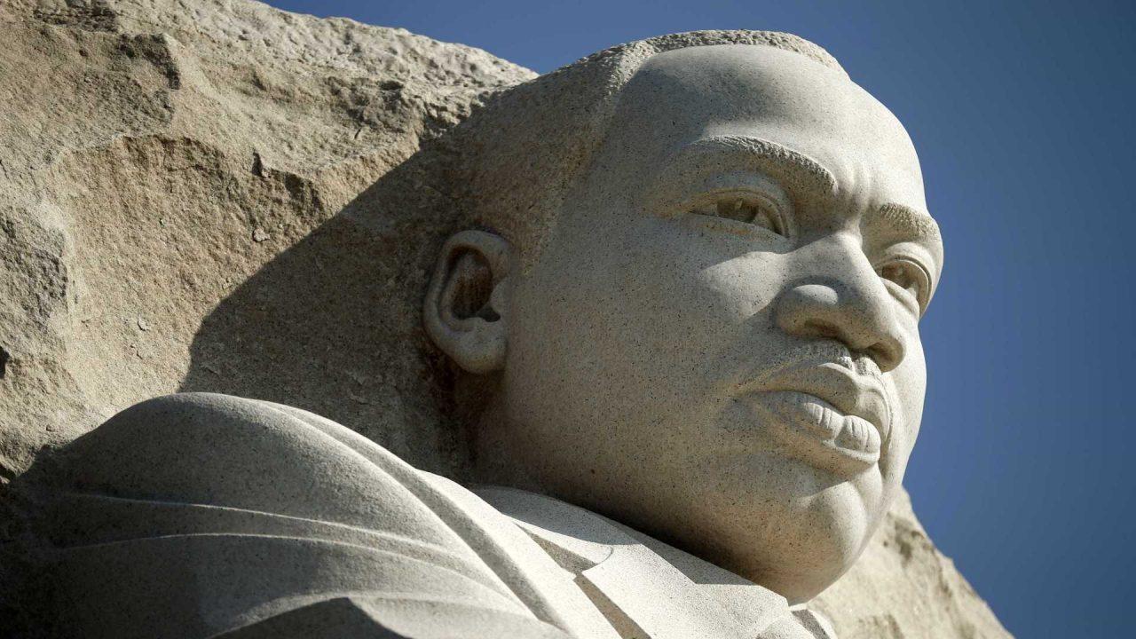 54 anos depois, mais de mil líderes religiosos desfilaram em Washington na Marcha de Martin Luther King