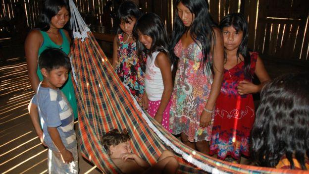 Reflexões de uma antropóloga e mãe: 'O que aprendi com índios sobre educação infantil'