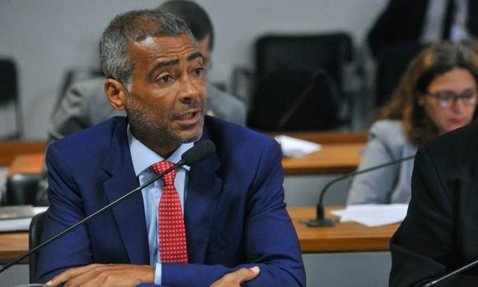 Senador Romário (Podemos-RJ) foi o relator e pediu a rejeição da sugestão de criminalização do funk Foto: Geraldo Magela / Agência Senado