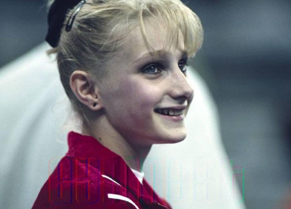 Ginasta campeã olímpica revela ter sido estuprada por atleta: 'Eu sobrevivi a você'