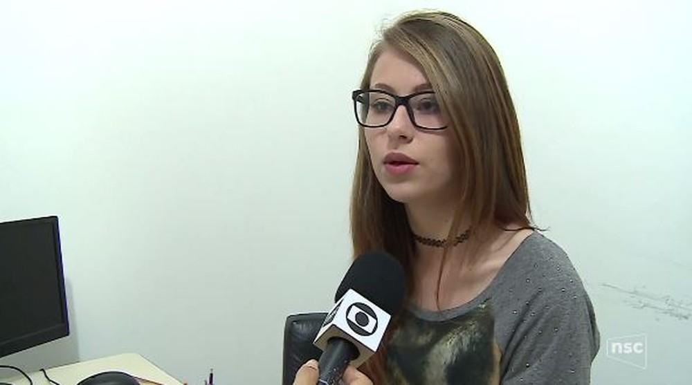Escola diz que não vai ensinar religião, comunismo e ideologia de gênero; aluna critica e é suspensa