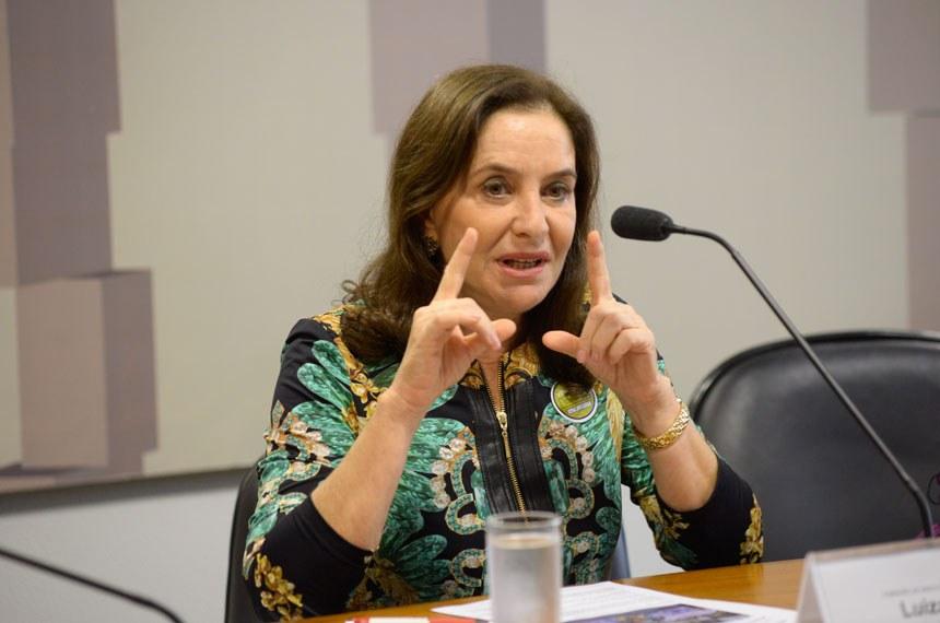 Sugestão que retira o termo feminicídio do Código Penal é 'lamentável', diz advogada criminal