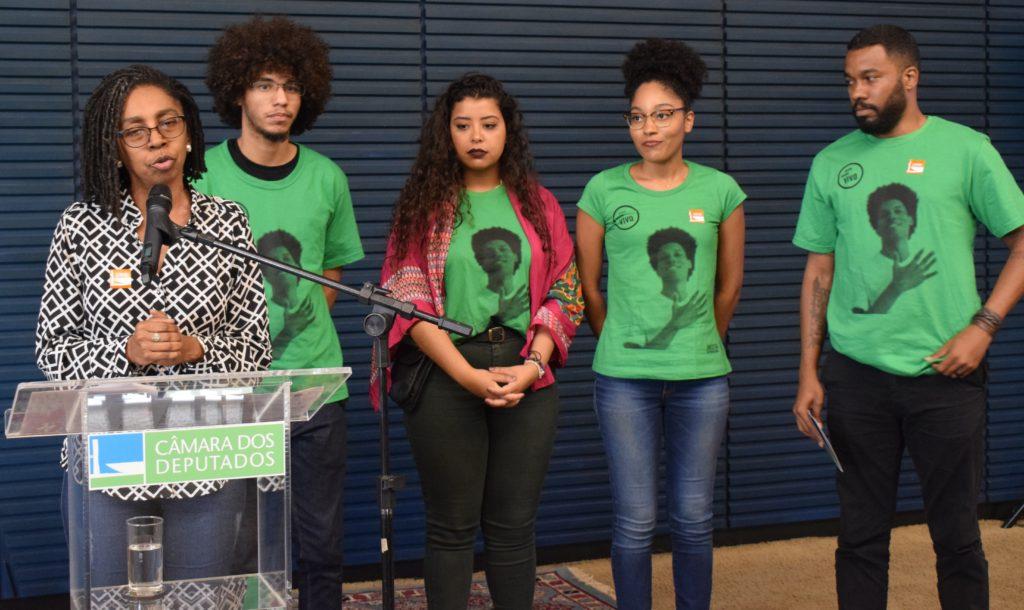 ONU apresenta no Congresso campanha pelo fim da violência contra juventude negra