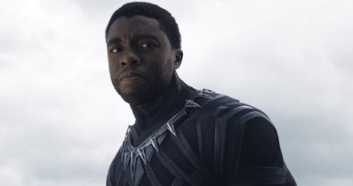 Chadwick Boseman como Pantera Negra (Reprodução/Marvel)